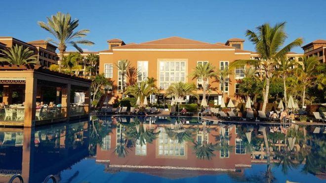 Coronavirus: Tenerife hotel with hundreds of guests locked down