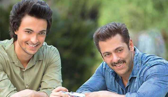 It's reunion time for Salman, Aayush!