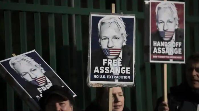 UKcourt told Julian Assange tried to call White House, Hillary Clinton over data dump