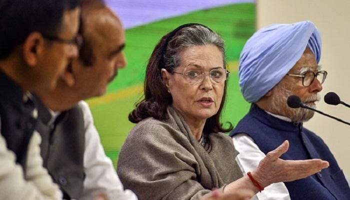 Sonia Gandhi demands Amit Shah's resignation