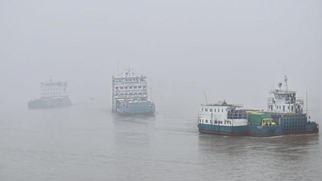 Paturia-Daulatdia ferry service resumes after 6 hrs halt