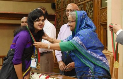 Sheikh Hasina distributes Prime Minister Gold Medal to 172 students