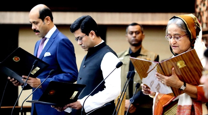 Prime Minister administers oath to Dhaka city mayors