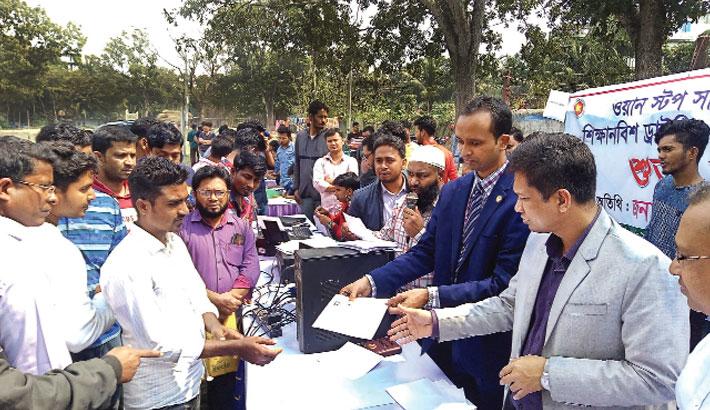 Hand over driving licence among drivers