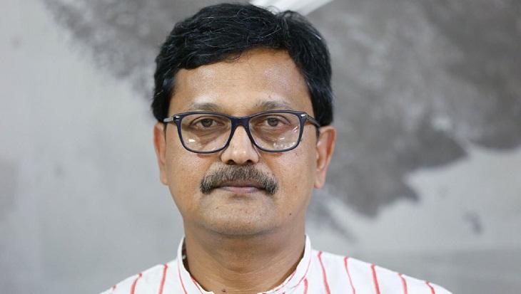 Khalid urges journalists not to display negative news