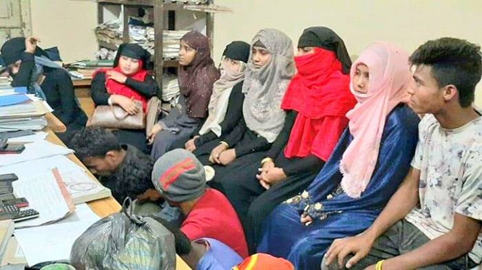16 Rohingyas sent back to camp after being rescued from Moheshkhali