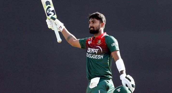 Bangladesh set Zimbabwe to chase 322