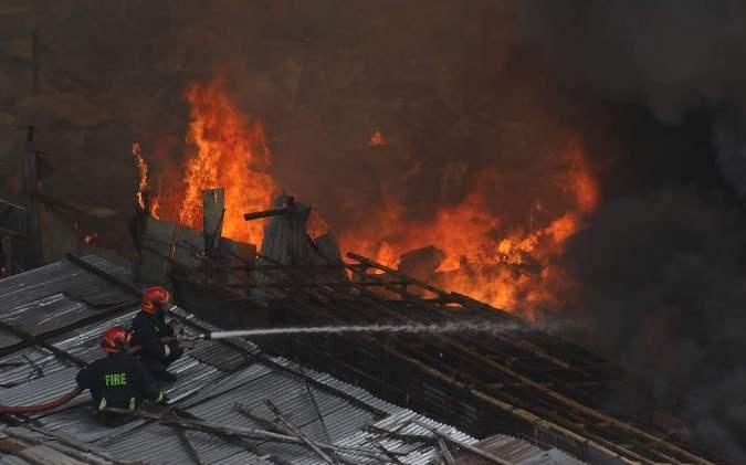 Massive fire breaks out at Rupnagar Slum