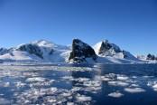 Six-fold jump in polar ice loss lifts global oceans
