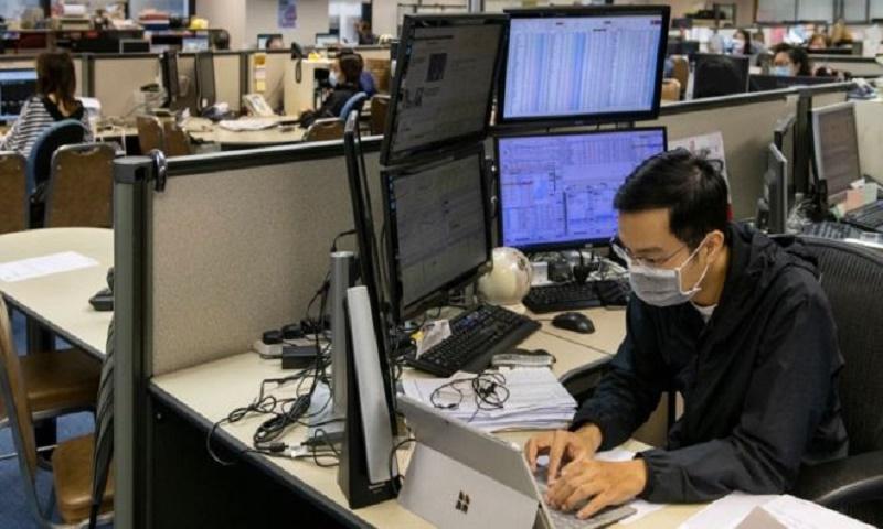 Coronavirus: Asia stocks fall despite stimulus plans