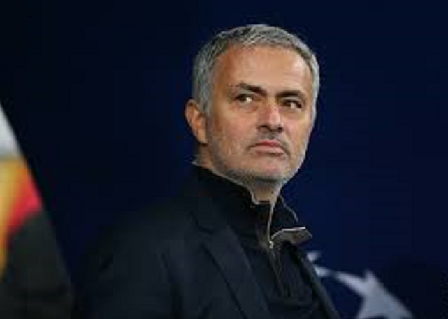 Jose Mourinho helps out at local food bank amid coronavirus outbreak