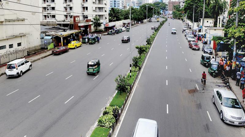 Corona scare: Dhaka nearly falls silent