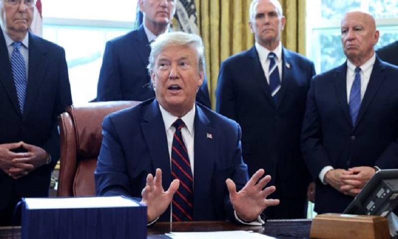 Coronavirus: Trump orders 'time-wasting' General Motors to make ventilators