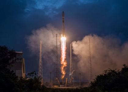UK space company OneWeb blames coronavirus for collapse
