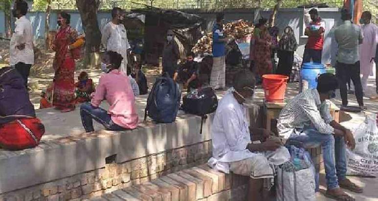 203 Bangladeshis return from India through Bhomra port