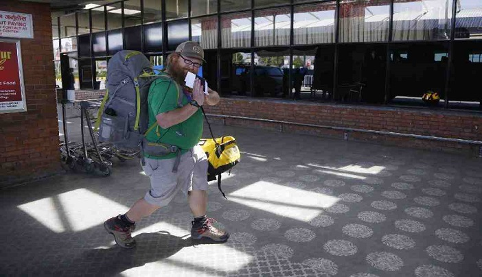 Hundreds of stranded Americans leave Nepal amid lockdown