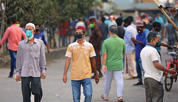 Lanes, by-lanes still witness public gatherings