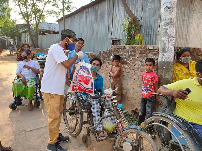 Covid-19: JU Youth Initiative distributes aid in Savar