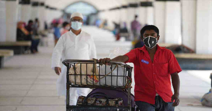 Man dies soon after taken to Barishal hospital with fever, sore throat