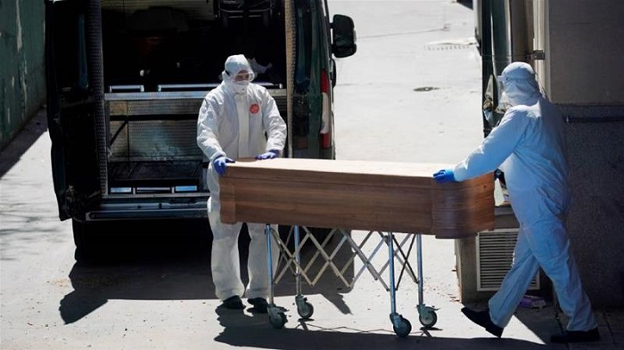 Spain daily virus deaths rise to 743 after drop