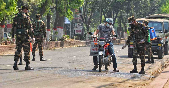Coronavirus: Three roads to Kushtia from Chuadanga, Rajbari closed