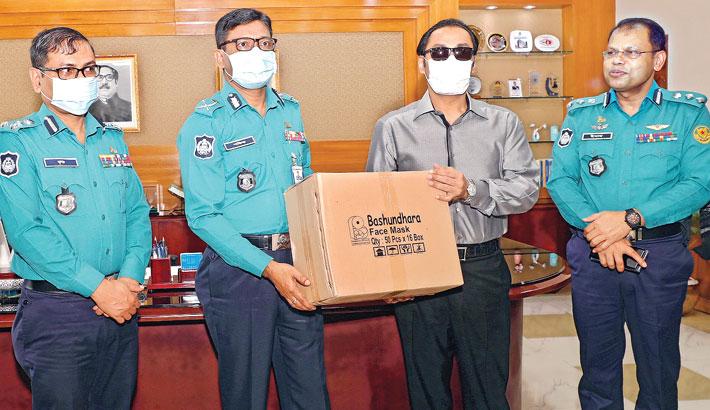 Bashundhara Group provides 50,000 masks for DMP