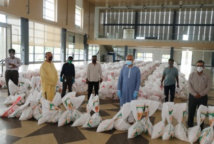 Bashundhara Group provides food items to 2,000 hawkers, distributors