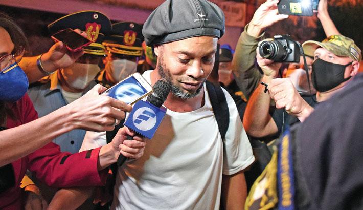 Ronaldinho released from prison