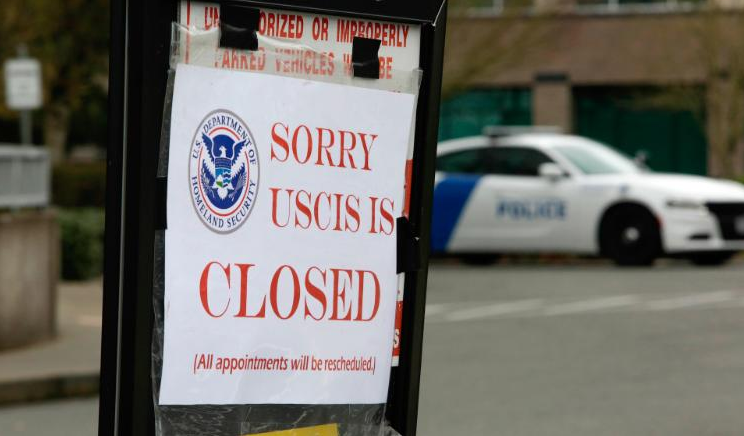 Chinese workers in US  losing their visas with their jobs