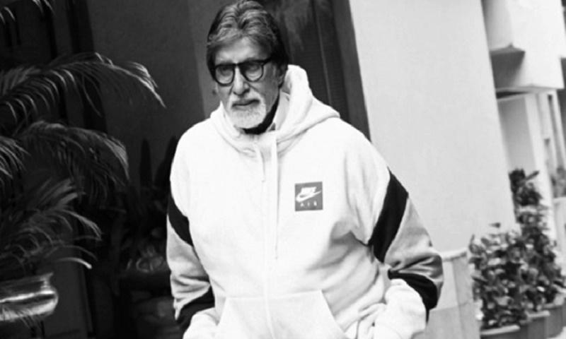 Amitabh Bachchan starts distribution of 2,000 food packets in Mumbai