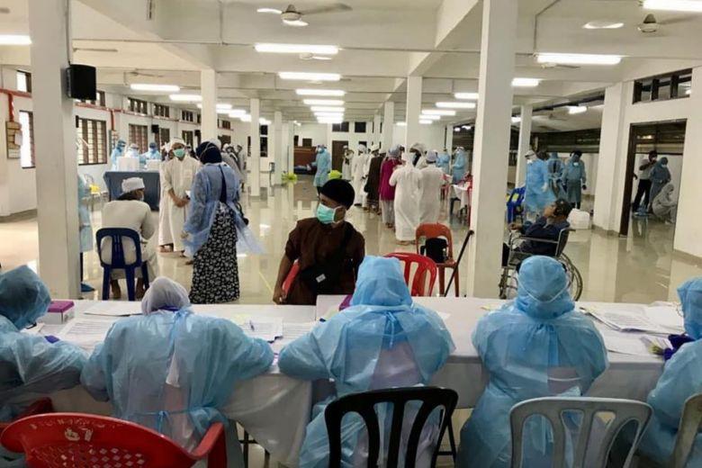 12 Bangladeshis among 416 foreigners infected with coronavirus in Malaysia