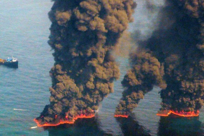 Ten years after huge US oil spill, fears of offshore drilling persist