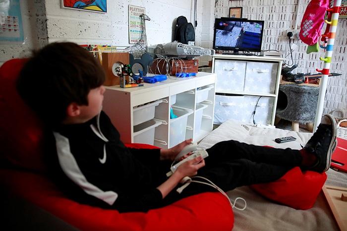 Digital video game spending hits record high under virus lockdown