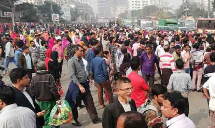 RMG workers stage demo in capital's Malibagh, Gazipur's Chandra