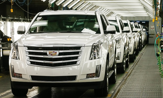 General Motors profits dive, aims to reopen US plants May 18