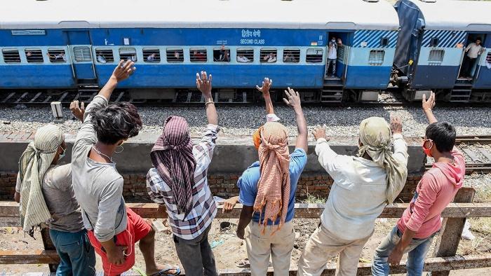 India to 'gradually' restart rail operations in lockdown easing