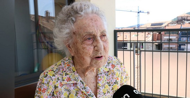 'Oldest woman in Spain' beats coronavirus at 113