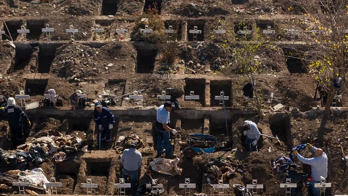 Chile digs thousands of graves for COVID-19 surge
