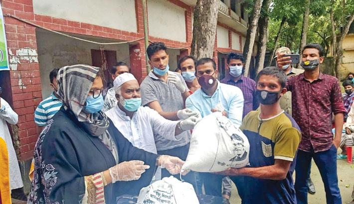 Lawmaker Kazi Selina Islam distributes relief materials