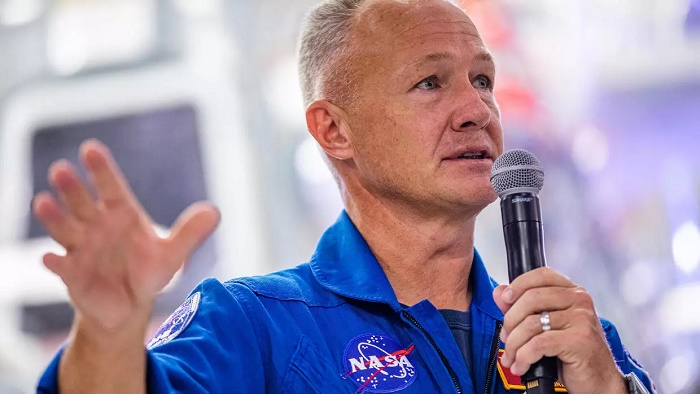 NASA astronauts arrive in Florida week before SpaceX flight