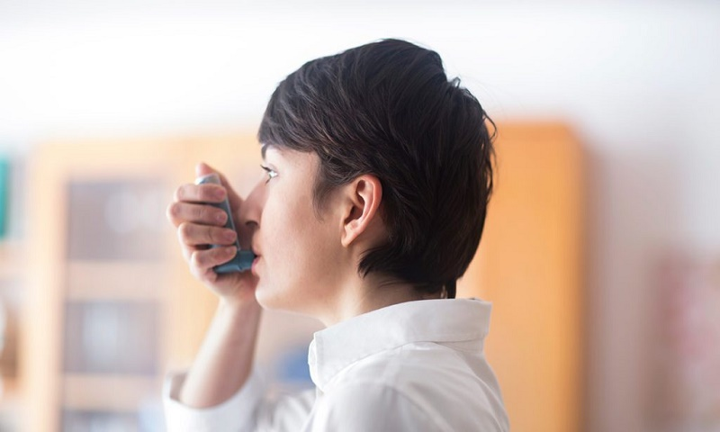 How can patients with asthma stay safe amid COVID-19?