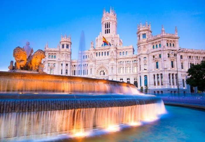 Museums, hotels, bars to reopen in Madrid, Barcelona