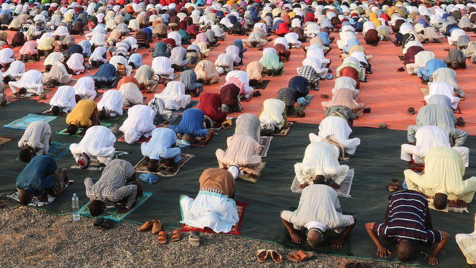 Muslims celebrate Eid al-Fitr amid coronavirus