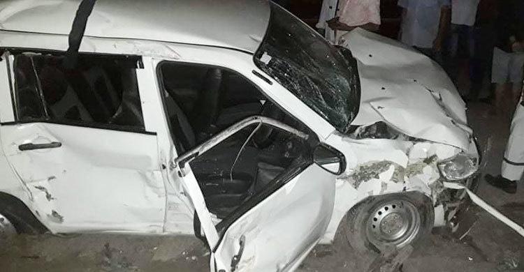 3 killed in private car crash in city