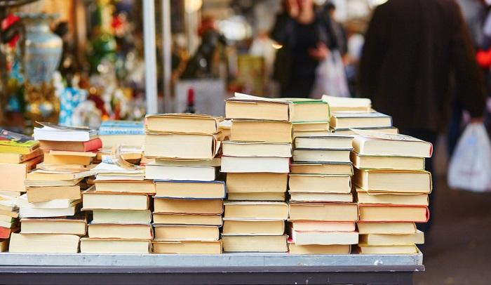 Book sales soar as French lockdown eases