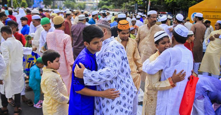Eid-ul-Fitr being celebrated in Khulna
