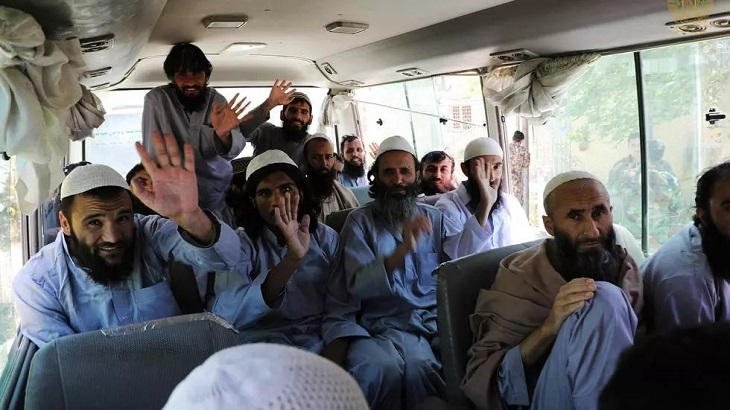 Afghanistan to free 900 more Taliban prisoners