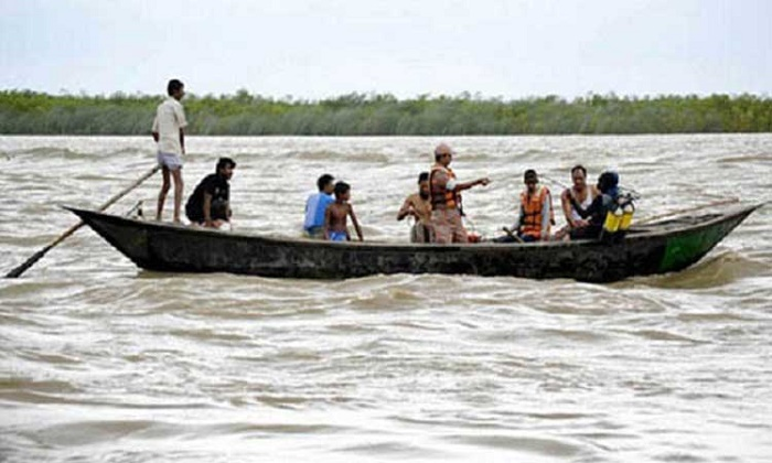 2 bodies recovered, 30 missing after boat capsizes in Jamuna
