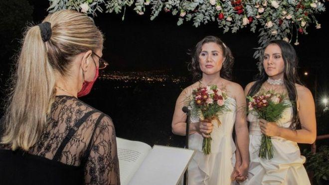 Costa Rica celebrates first same-sex weddings