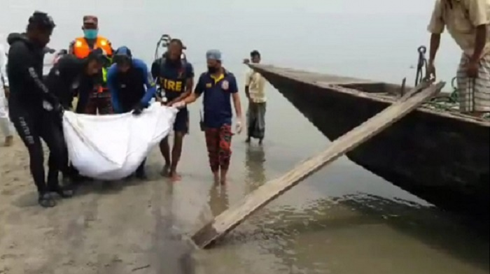 4 die as boat carrying bridal party sinks in Kurigram